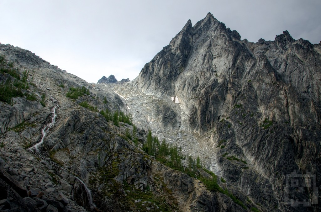 A dramatic view of Dragons Tail while ascending Aasgard Pass to the Enchantments.